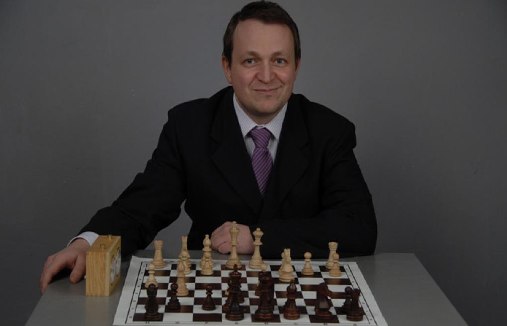 """Dodon, provocat de un lider unionist la o partidă de șah: """"Dacă pierde trebuie să se retragă din viața politică """""""